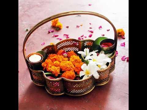 Video - महकते ताजे फूल क्यों चढ़ते हैं पूजा में- जानिए फूलों का विशेष महत्व..