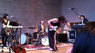 "St. Vincent - ""Save Me from What I Want"" (2011-08-25)"