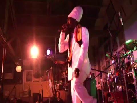 Junior Reid Live en Berkly (FULL)