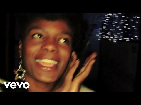 Noisettes - Wild Young Hearts (New Version)
