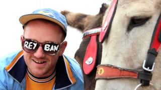 50 Sniffs - Fish Chips and Donkey Ridez (Skegness Summer Holiday)