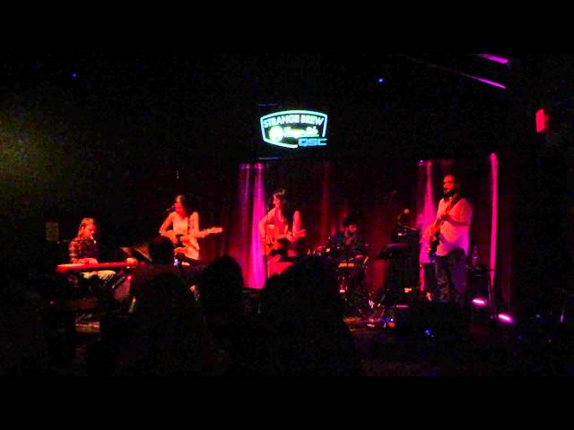 Vanessa Lively | Return to Waves - Live in Austin at Strange Brew Lounge Side