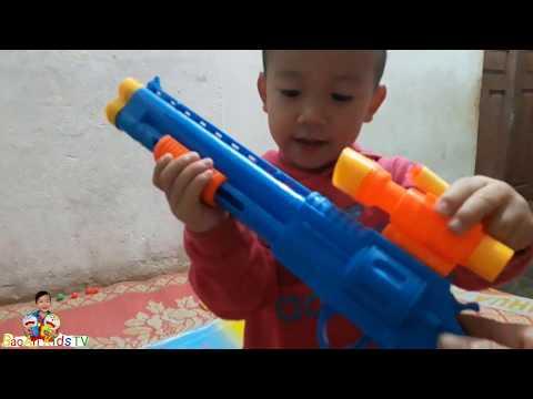 BẢO AN GIỚI THIỆU BỘ ĐỒ CHƠI SÚNG CÓ ĐẠN NHIỀU MÀU SẮC - BảoAn Kids TV
