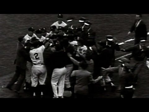 1956 WS Game 5: Larson pitches perfect game