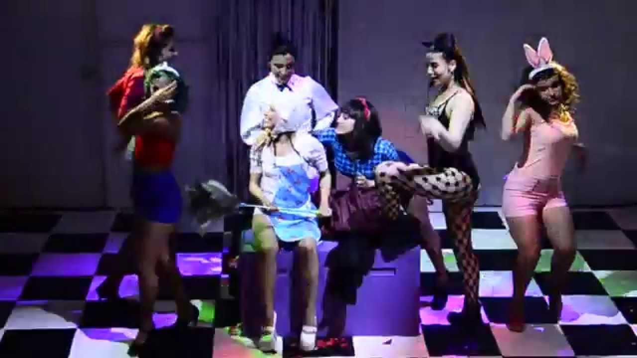 MK Ultra. Circo, chicas y conspiranoia (2015).Compañía dospuntos circo