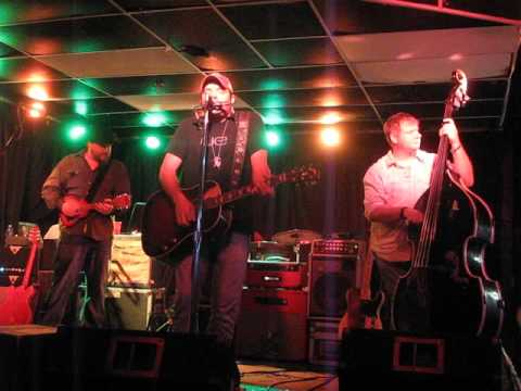 Reckless Kelly-Wonder Bar, Asbury Park,NJ 10/7/2015 Wicked Twisted Road.
