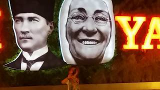 bebek baby prenses eylül bursalı ksk Atatürk , Zübeyde Hanım ve Atatürk heykeliyle poz veriyr