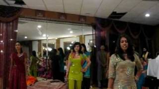 Sindhi Song Played in USA Shadi Dance - Must Watch!