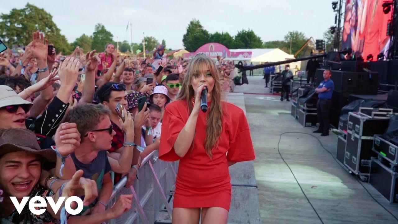Becky Hill, Topic - My Heart Goes (La Di Da)