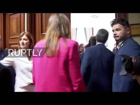 Spain: Jailed Catalan separatist leaders take up seats in Spanish parliament