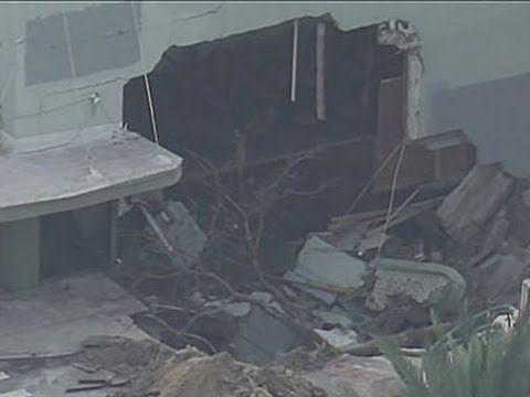 Raw: Building Partially Collapses in Florida