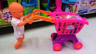 Baby Doll Doing Shopping