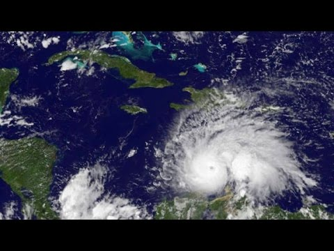 Hurricane Matthew shifts west with US in view