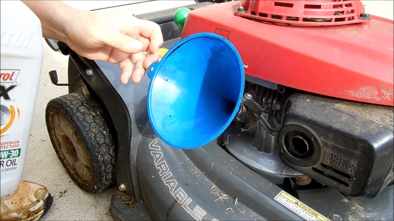 change oil  honda lawn mower hrxvka honda mower maintenance youtube