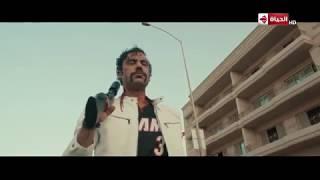 بالرغم إن هوجان مضروب برصاص إلا إنه قدر على 3 عربيات لوحده #هوجان