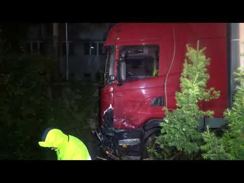 Wjechali Pod Ciężarówkę I Uciekli! Nocny Wypadek W Koszalinie.