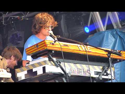 The Aliens - Theremin part 1 (live at Greenman Festival, 22nd Aug 2009) mp3