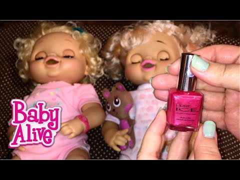 Painting my Dreamy Baby Fake Baby Alive Doll's Bracelet to Match Aleasha