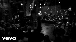 Petula Clark - While You See a Chance (Live)