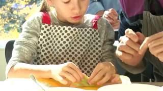 Кулинарный мастер-класс в Детском кафе: пельмени(Детское кафе в Ельцин Центре 25 сентября 2016 года принимало участников четвертой сессии воскресной Школы..., 2016-09-27T09:36:18.000Z)