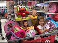 Comprando brinquedos nos Estados Unidos