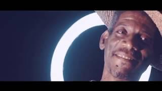 TTBS ft. Robert Mavounza - La nuit de noel  (Clip officiel)