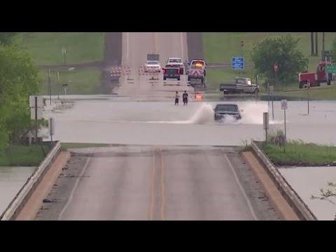 Flooding In League City Texas Neighbors Having Fun In