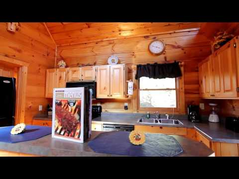 """A Romantic Getaway"" Secluded 1-Bedroom Sky Harbor Rental -  Cabins USA 2015"