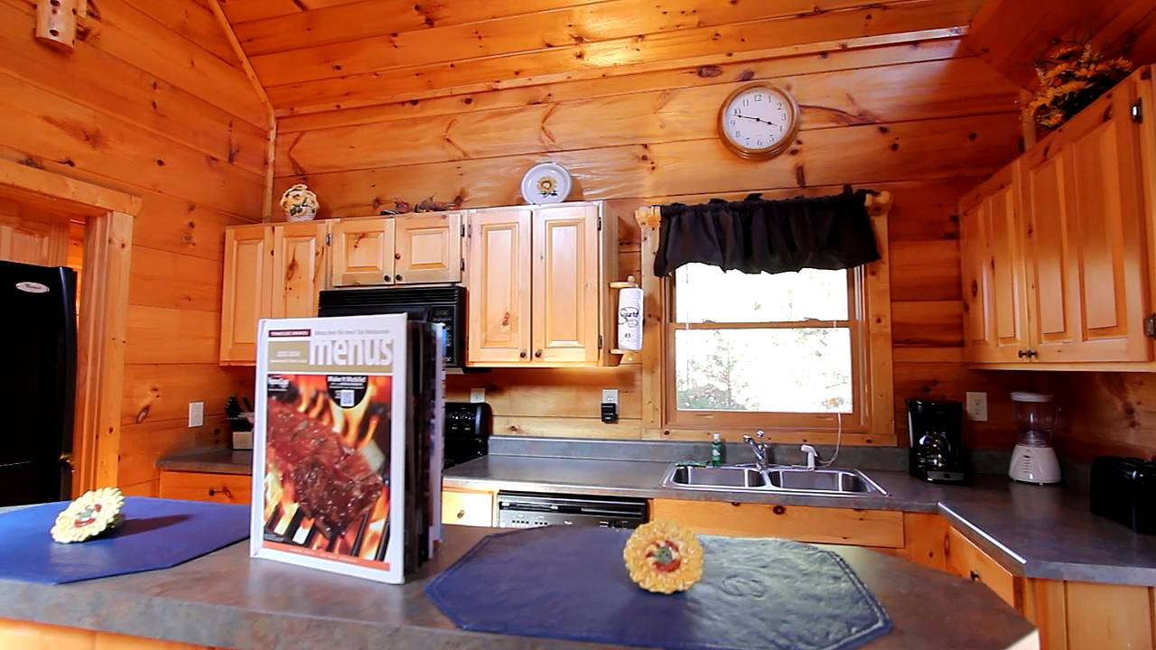 A romantic getaway secluded 1 bedroom sky harbor rental Getawaycabins com