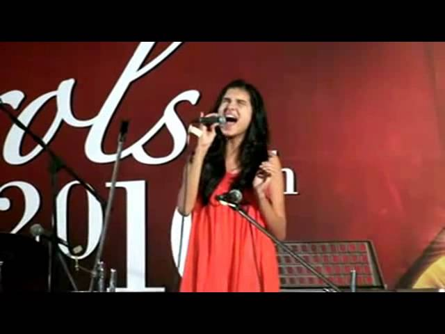 Tara Sutaria - Christmas List (Carols 2010) Travel Video
