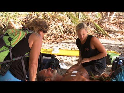 Läkarteamet tar med sig Nick Söderblom akut från Robinsonön – Robinson (TV4)