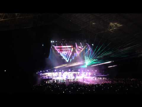 Muse - Survival @ Guadalajara (The 2nd Law World Tour 2013)