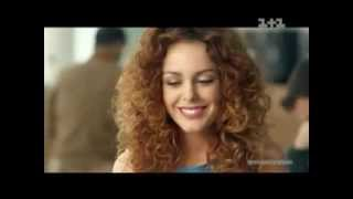 Українська реклама Orbit White (2013)(У рекламному ролику в молодої дівчини намагаються відібрати квиток на літак. Пояснивши, що вона зі слідами..., 2013-10-26T23:42:59.000Z)