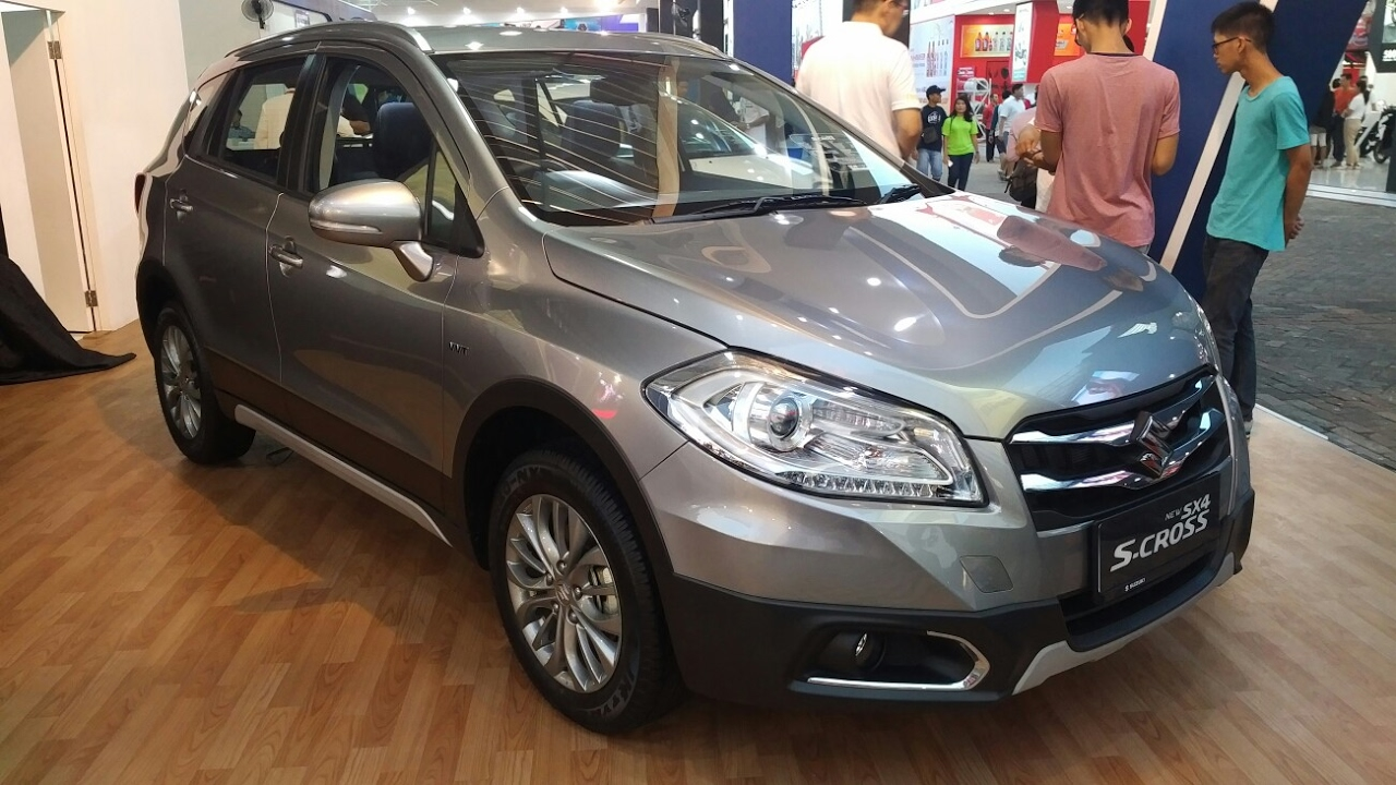 in depth tour suzuki sx4 s cross at 2017 indonesia youtube. Black Bedroom Furniture Sets. Home Design Ideas