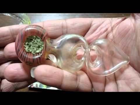 How to pack weed in two glass pipes without a screen