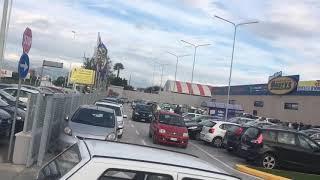 Cagliari,  i nuovi centri commerciali mandano il traffico in tilt