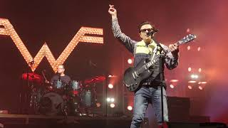 "Weezer - ""Africa"" - St. Paul, 03-30-19 Video"