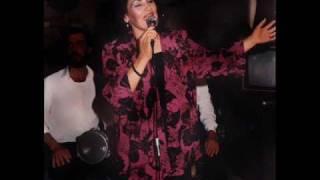 Zehra Sabah - Yavaş Yürü Kalbimin Üstündesin