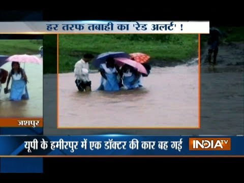 Heavy rain disrupts normal life in Uttar Pradesh, Madhya Pradesh