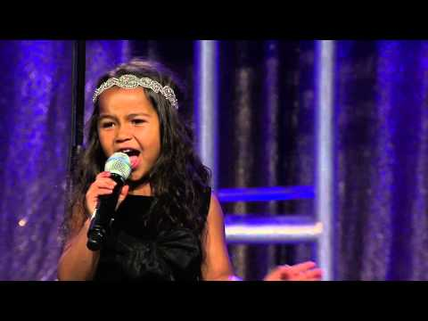 Incredible 5 year old Heavenly Joy sings Impossible Dream for thousands