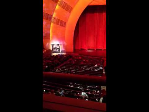 christmas organs at radio city music hall - How Long Is The Radio City Christmas Show