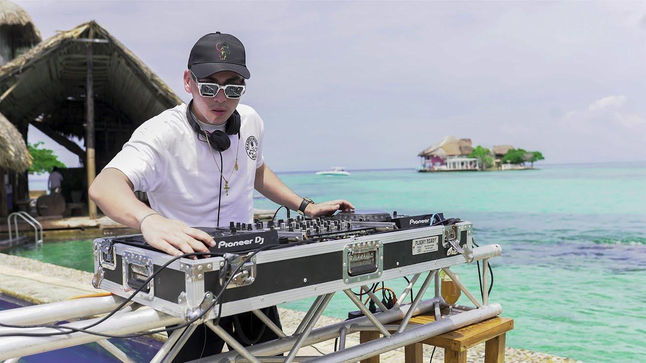 Download Simon Gutierrez - Island (live set)