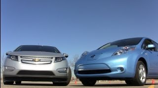 2012 Chevy Volt versus Nissan Leaf Mash-up Drag Race