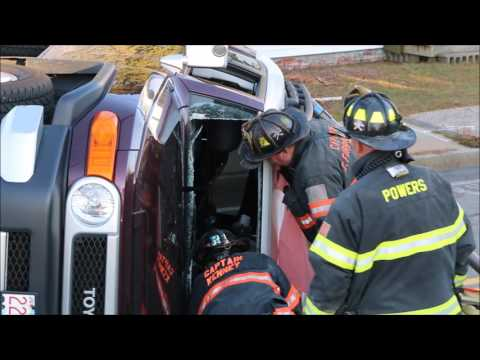 Firefighters rescue entrapped woman from rollover    CCH placed on trauma alert     12 2 16