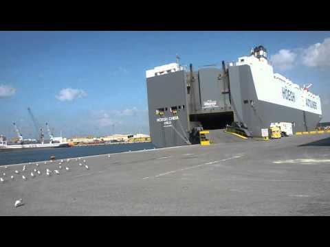 M.Dubai jabal ali port car ship