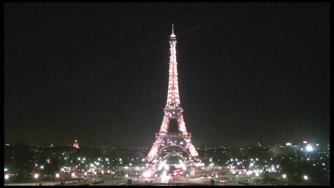 paris eiffel tower sparkles at night in hd - youtube