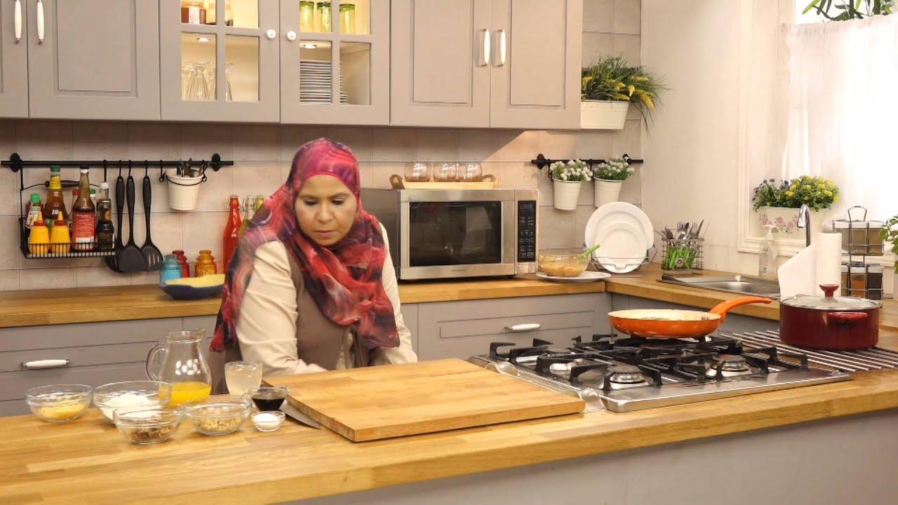 ارز بالدجاج والمشروم والجزر+سلطة طماطم ساخنة بلسان العصفورمع منال رشاد في الأكل البيتى(الجزء الثاني)