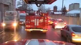 Как пропускают пожарных в Екатеринбурге 7