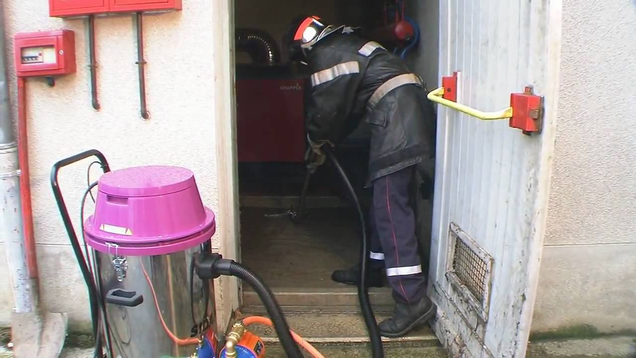 Aspirateur eau et poussi re sidamo jet 60 re avec pompe de refoulement youtube - Aspirateur a eau avec pompe de refoulement ...
