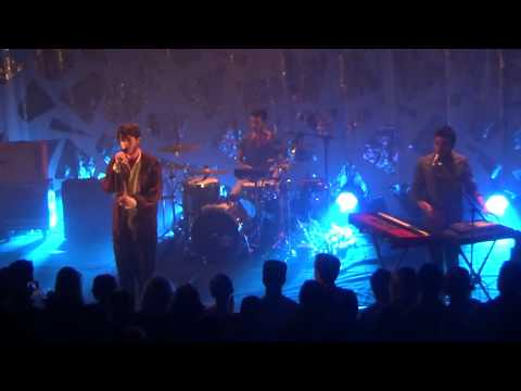 Oscar and the wolf Bloom live (oh my baby)  Paris 2015